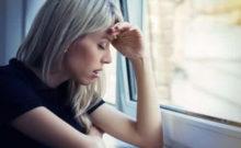donna ansia coronavirus finestra guetzli